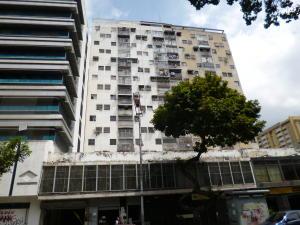 Apartamento En Ventaen Caracas, Parroquia La Candelaria, Venezuela, VE RAH: 18-2974