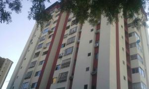Apartamento En Ventaen Valencia, Valles De Camoruco, Venezuela, VE RAH: 18-2952