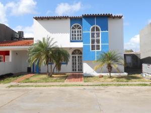 Townhouse En Ventaen Ciudad Bolivar, Paseo Orinoco, Venezuela, VE RAH: 18-2915