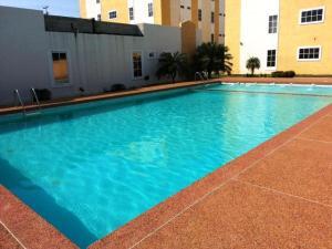 Apartamento En Ventaen Ciudad Ojeda, Calle Piar, Venezuela, VE RAH: 18-2935