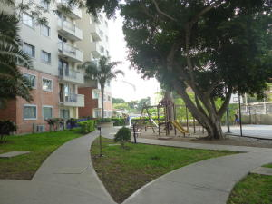 Apartamento En Ventaen Barquisimeto, Parroquia Concepcion, Venezuela, VE RAH: 18-2940