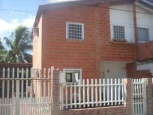 Casa En Ventaen Cagua, Prados De La Encrucijada, Venezuela, VE RAH: 18-2972