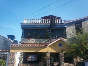 Casa En Ventaen Municipio San Diego, La Esmeralda, Venezuela, VE RAH: 18-3000