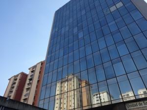 Local Comercial En Ventaen Caracas, La Urbina, Venezuela, VE RAH: 18-4103
