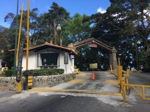 Terreno En Ventaen El Junquito-Vargas, El Junko Country Club, Venezuela, VE RAH: 18-3012