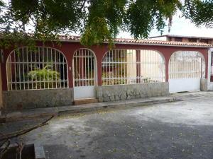 Casa En Ventaen Turmero, Valle Lindo De Turmero, Venezuela, VE RAH: 18-3011