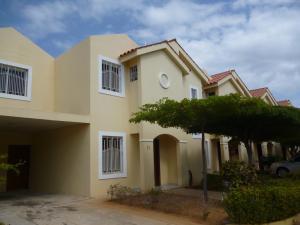 Townhouse En Ventaen Maracaibo, El Milagro Norte, Venezuela, VE RAH: 18-3034