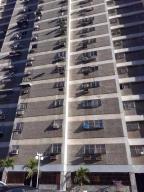 Apartamento En Ventaen Parroquia Maiquetia, Pariata, Venezuela, VE RAH: 18-3079