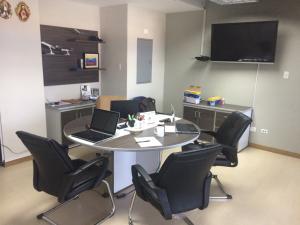 Oficina En Ventaen Maracaibo, 5 De Julio, Venezuela, VE RAH: 18-3096