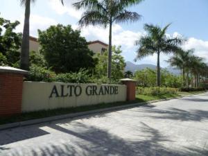 Apartamento En Ventaen Guatire, Alto Grande, Venezuela, VE RAH: 18-3127