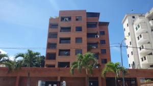 Apartamento En Ventaen Parroquia Caraballeda, Caribe, Venezuela, VE RAH: 18-3199