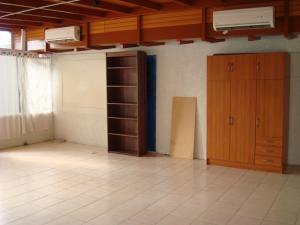 Galpon - Deposito En Alquileren Caracas, Campo Claro, Venezuela, VE RAH: 18-3903