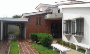 Casa En Ventaen Maracaibo, La California, Venezuela, VE RAH: 18-3201