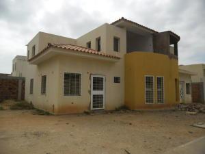 Townhouse En Ventaen Maracaibo, Circunvalacion Uno, Venezuela, VE RAH: 18-3216