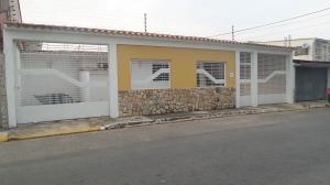 Casa En Ventaen Municipio Naguanagua, Casco Central, Venezuela, VE RAH: 18-3235
