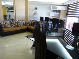 Apartamento En Ventaen Maracaibo, Paraiso, Venezuela, VE RAH: 18-3306