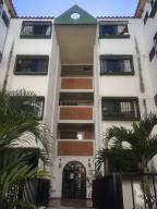 Apartamento En Ventaen Los Teques, Parque Residencial La Quinta, Venezuela, VE RAH: 18-2376