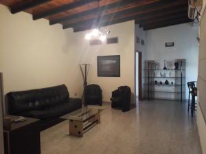Apartamento En Alquileren Ciudad Ojeda, Bermudez, Venezuela, VE RAH: 18-3322