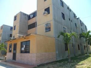 Apartamento En Ventaen Municipio Los Guayos, Buenaventura, Venezuela, VE RAH: 18-3327