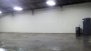 Galpon - Deposito En Alquileren Maracaibo, Avenida Bella Vista, Venezuela, VE RAH: 18-3372