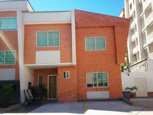Townhouse En Ventaen Municipio Naguanagua, Maã±Ongo, Venezuela, VE RAH: 18-5294