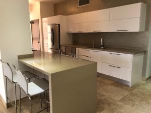 Apartamento En Ventaen Maracaibo, Tierra Negra, Venezuela, VE RAH: 18-3417