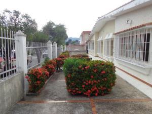 Casa En Ventaen Valencia, Trigal Centro, Venezuela, VE RAH: 18-3557