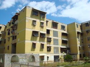 Apartamento En Ventaen Caracas, Caricuao, Venezuela, VE RAH: 18-3458