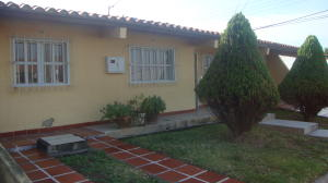 Casa En Ventaen Yaritagua, Municipio Peña, Venezuela, VE RAH: 18-4495