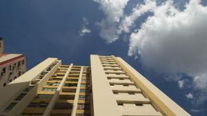 Apartamento En Ventaen Valencia, Las Chimeneas, Venezuela, VE RAH: 18-3483