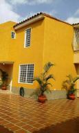 Townhouse En Ventaen Cua, Villa Falcon, Venezuela, VE RAH: 18-3511