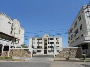 Apartamento En Ventaen Valencia, Agua Blanca, Venezuela, VE RAH: 18-675