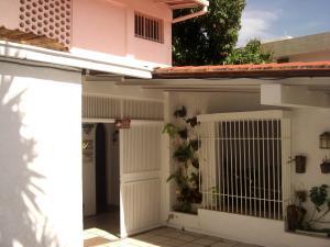 Casa En Ventaen Caracas, Santa Ines, Venezuela, VE RAH: 18-3598