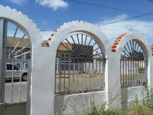 Casa En Ventaen Punto Fijo, Santa Irene, Venezuela, VE RAH: 18-3571