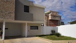 Townhouse En Ventaen Ciudad Bolivar, Andres Eloy Blanco, Venezuela, VE RAH: 18-3594