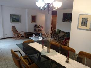 Apartamento En Ventaen Maracaibo, La Lago, Venezuela, VE RAH: 18-3596