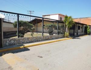 Casa En Ventaen Turmero, San Joaquin De Turmero, Venezuela, VE RAH: 18-3597