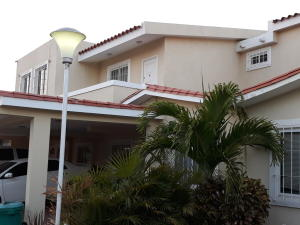 Townhouse En Ventaen Maracaibo, Doral Norte, Venezuela, VE RAH: 18-3774
