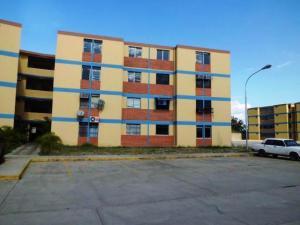 Apartamento En Ventaen Municipio Los Guayos, Paraparal, Venezuela, VE RAH: 18-3620