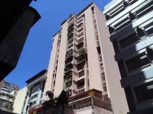 Apartamento En Ventaen Caracas, Parroquia La Candelaria, Venezuela, VE RAH: 18-3646