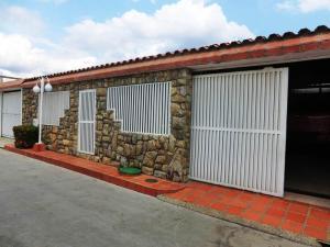 Casa En Ventaen Charallave, Vista Linda, Venezuela, VE RAH: 18-3652