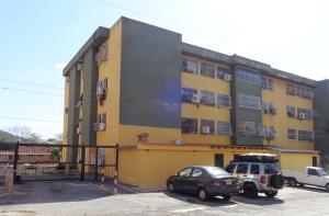Apartamento En Ventaen Valencia, Colinas De Guataparo, Venezuela, VE RAH: 18-3671