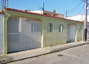 Casa En Ventaen Turmero, Valle Lindo De Turmero, Venezuela, VE RAH: 18-3691