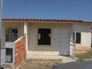 Casa En Ventaen Guacara, Ciudad Alianza, Venezuela, VE RAH: 18-3758