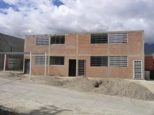 Townhouse En Ventaen Guatire, Bonaventure Country, Venezuela, VE RAH: 18-3916