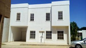 Townhouse En Ventaen Maracaibo, Avenida Milagro Norte, Venezuela, VE RAH: 18-3782