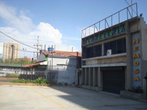 Local Comercial En Alquileren Maracaibo, Avenida Falcon, Venezuela, VE RAH: 18-4353