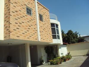 Townhouse En Ventaen Maracay, La Floresta, Venezuela, VE RAH: 18-3843