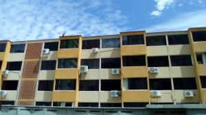 Apartamento En Alquileren Parroquia Caraballeda, La Llanada, Venezuela, VE RAH: 18-3849