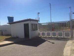 Townhouse En Ventaen Punto Fijo, Puerta Maraven, Venezuela, VE RAH: 18-3868